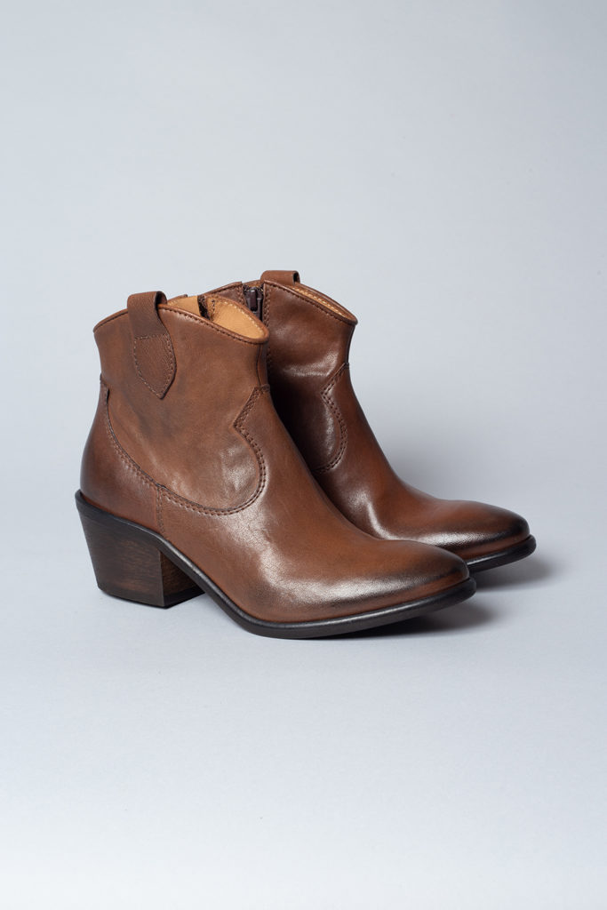CPH116 cow leather brown