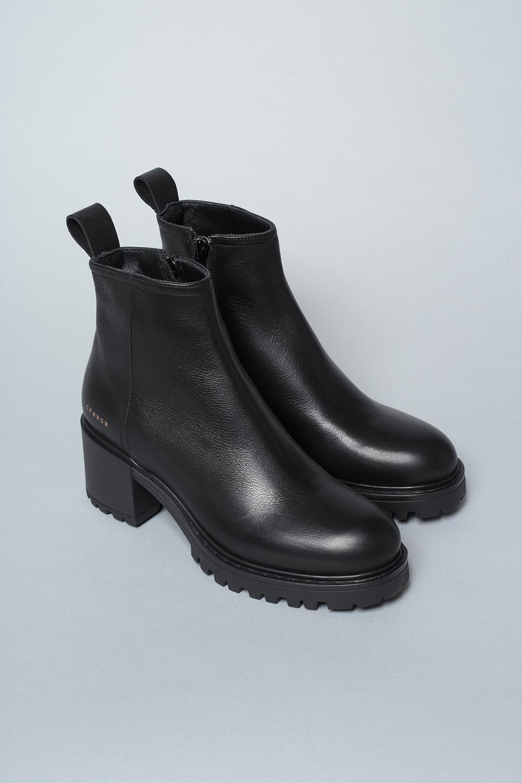 CPH242 vitello black